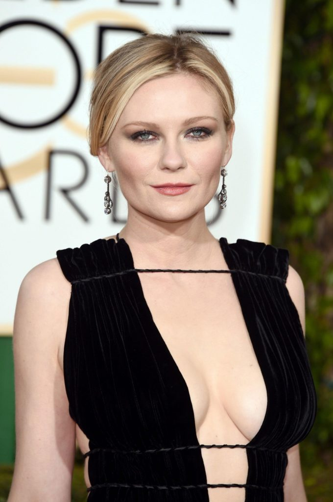 Kirsten Dunst Boobs Photos