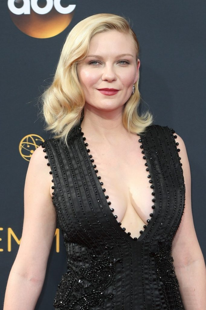Kirsten Dunst Braless Wallpapers
