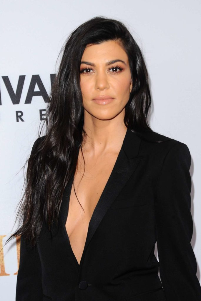 Kourtney Kardashian Bra Wallpapers
