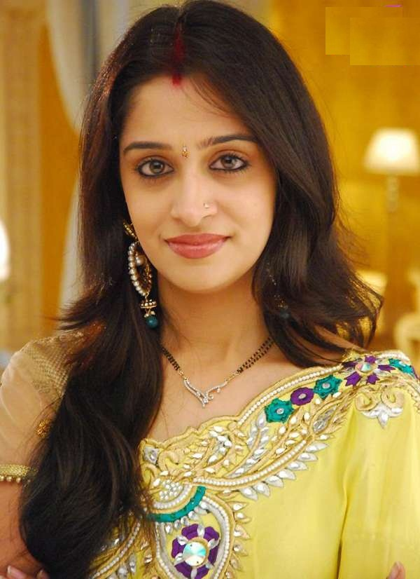 Dipika Kakar Saree Photos