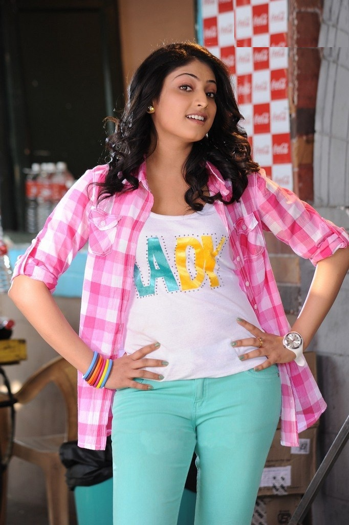 Haripriya Sexy Pictures
