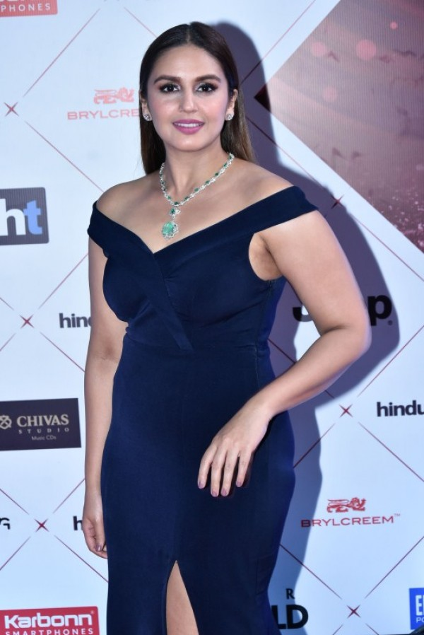 Huma Qureshi Braless Photos