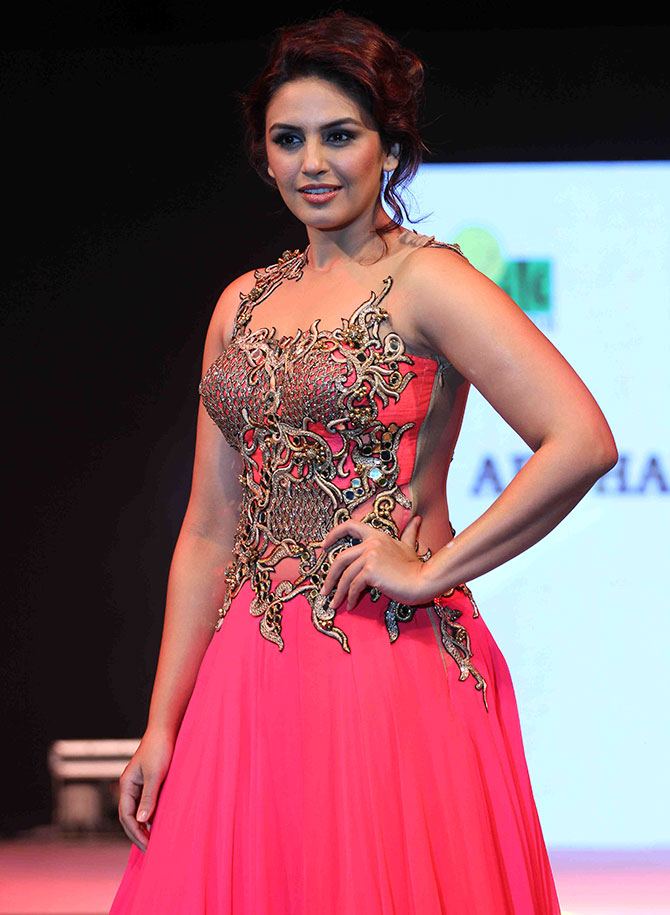 Huma Qureshi Msucles Pics