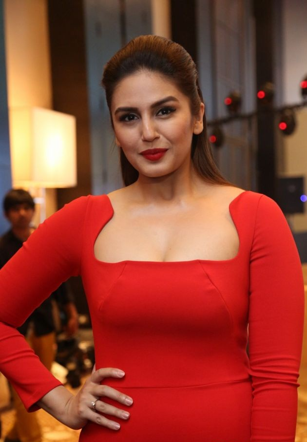 Huma Qureshi Topless Photos
