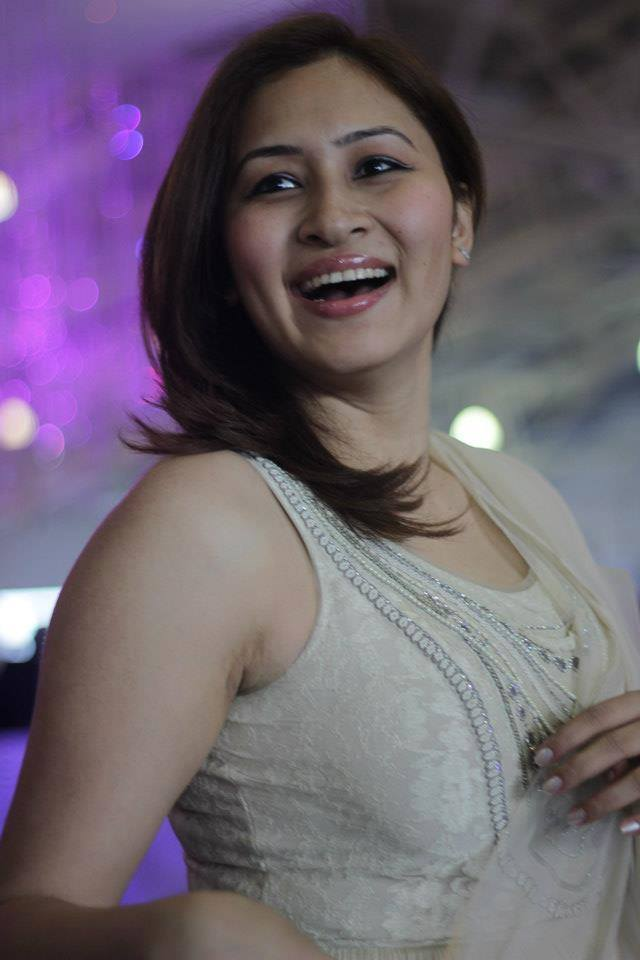 Jwala Gutta Smile Wallpapers