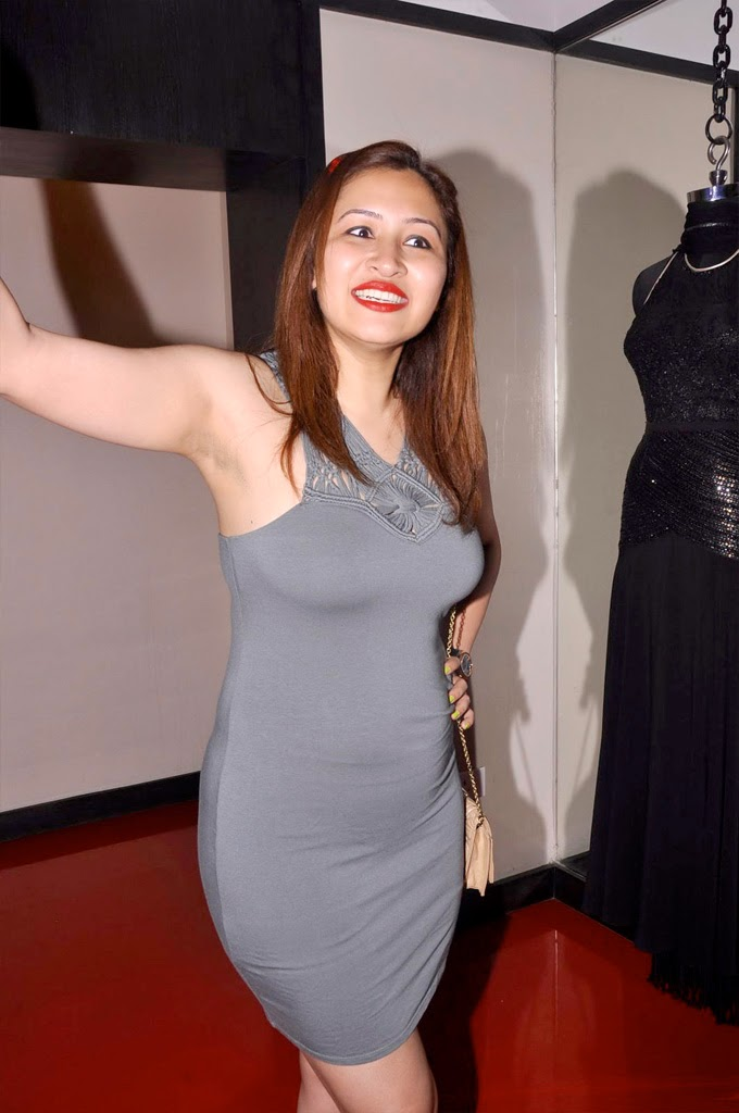 Jwala Gutta Thighs Photos
