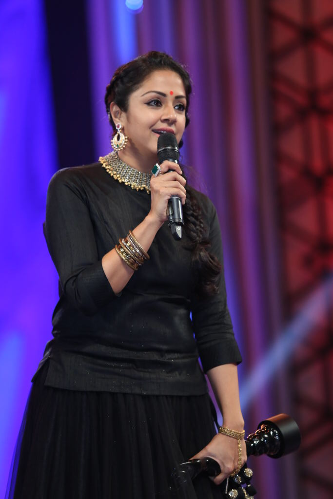 Jyothika Sexy Pictures