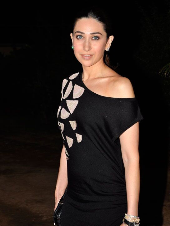 Karisma Kapoor Leaked Pictures