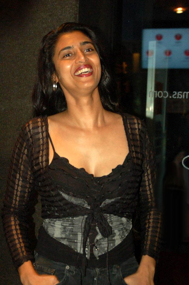 Kasthuri Topless Images