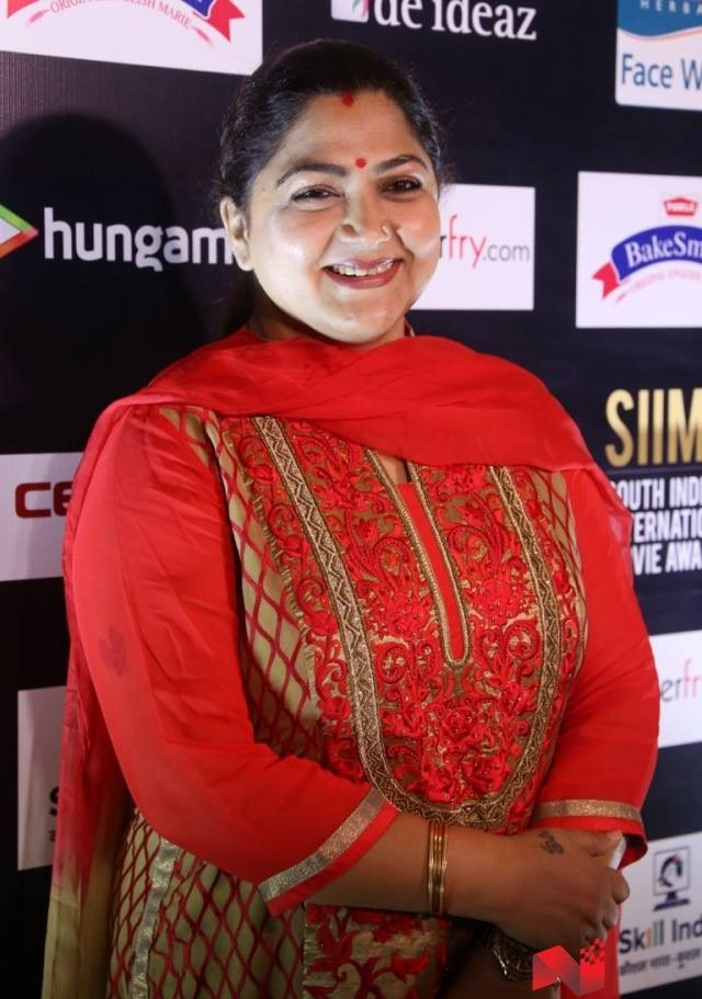 Kushboo Cleavage Photos