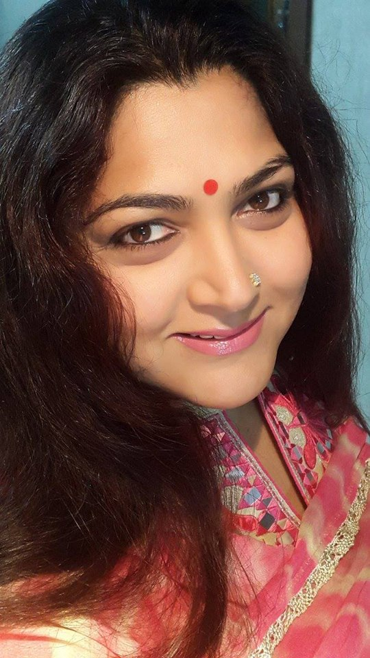 Kushboo Hair Style Photos