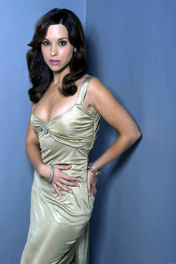 Lacey Chabert Braless Pictures