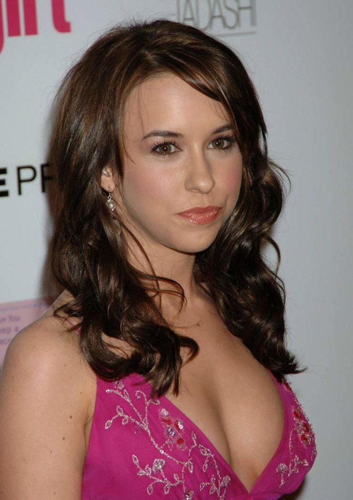 Lacey Chabert Hair Style Wallpapers