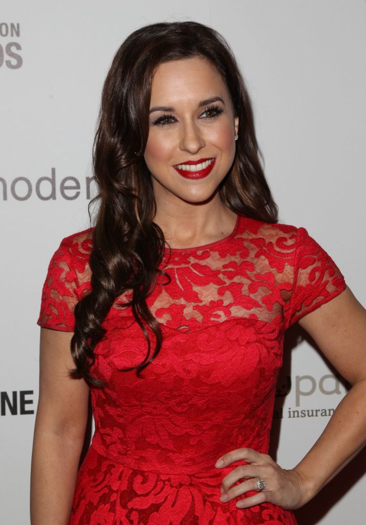 Lacey Chabert Muscles Pictures