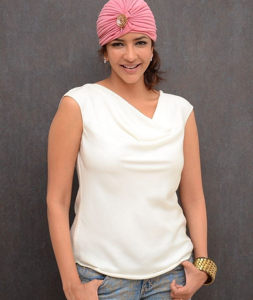 Lakshmi Manchu Jeans Photos