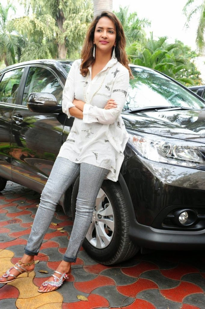 Lakshmi Manchu Leggings Images