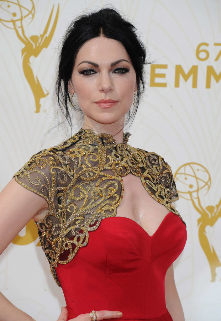 Laura Prepon Without Bra Images