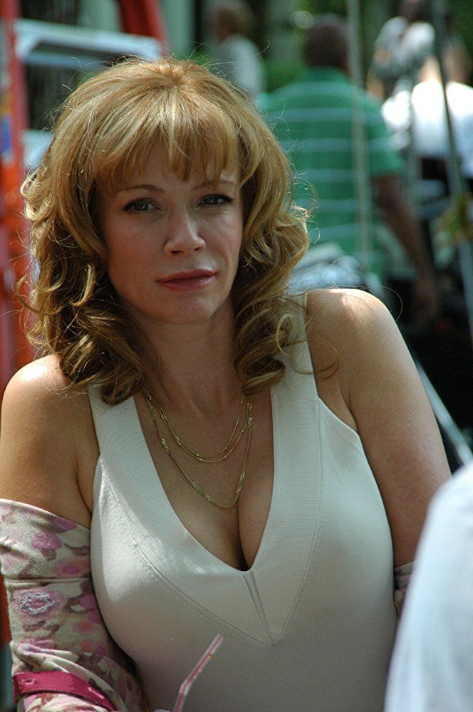 Lauren Holly Braless Images
