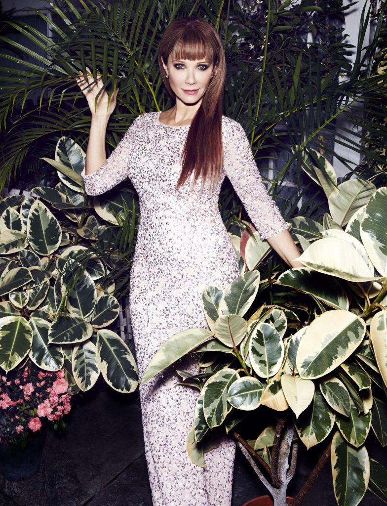 Lauren Holly Gown Images