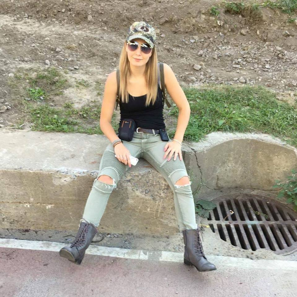 Lauren Southern Jeans Wallpapers