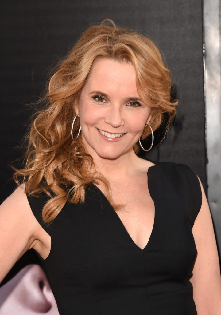 Lea Thompson Images Gallery