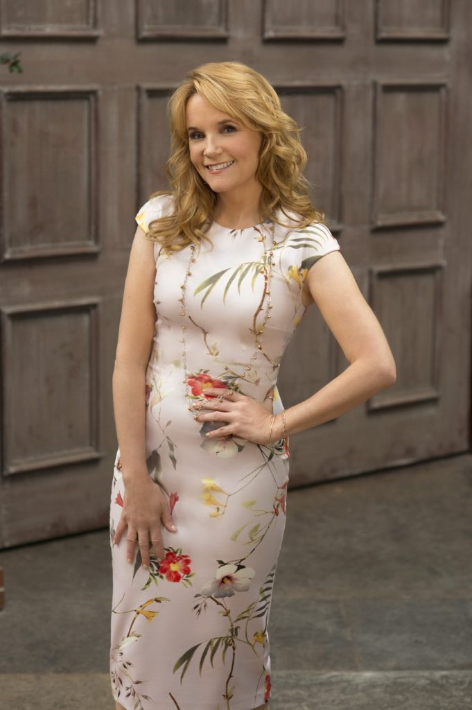 Lea Thompson Makeup Images