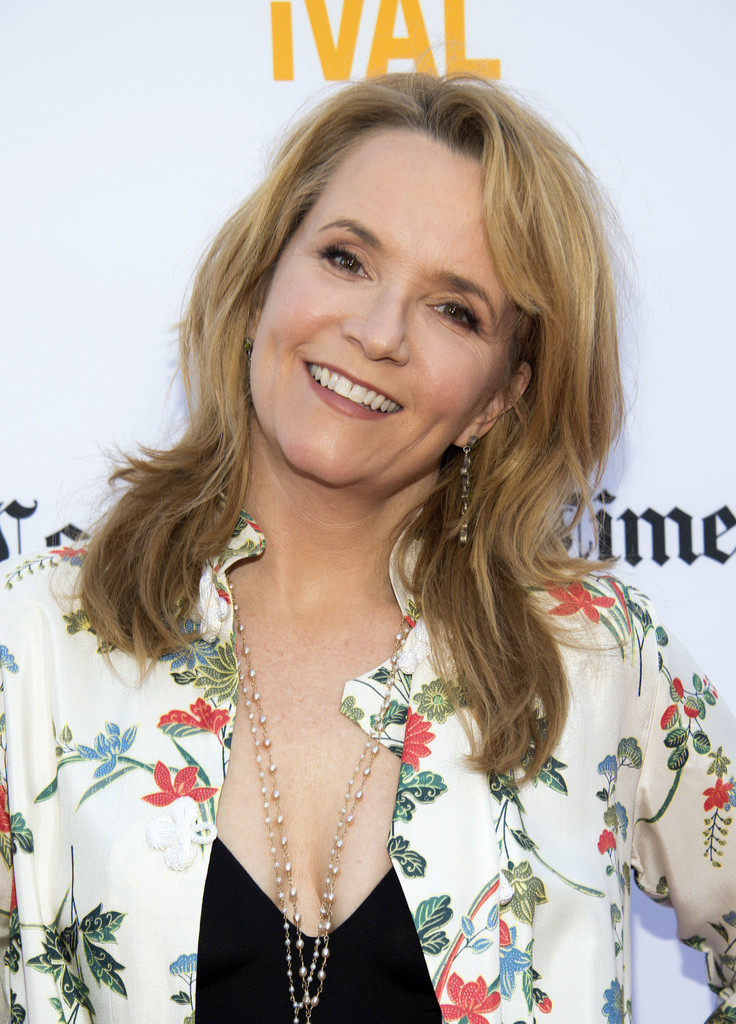 Lea Thompson Sexy Smile Images