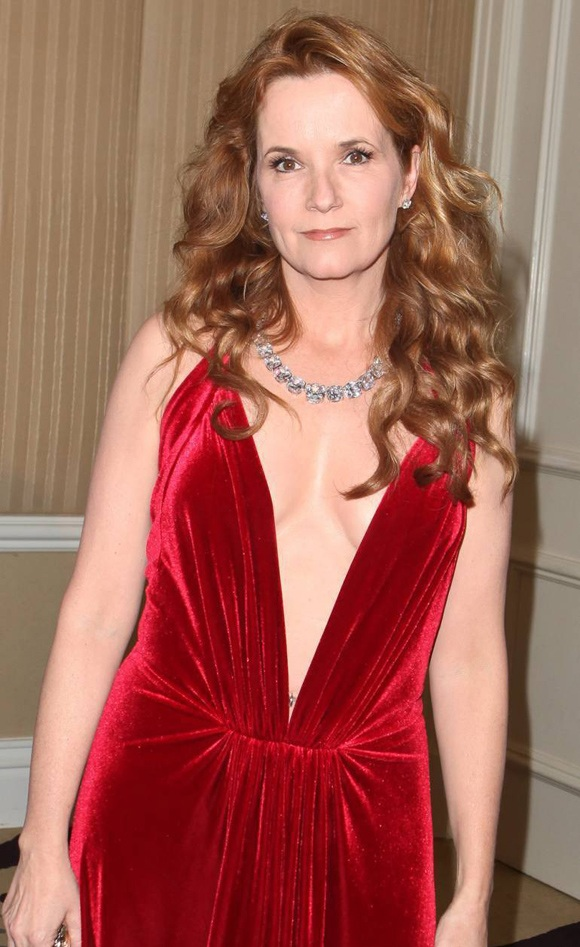 Lea Thompson Without Bra Images