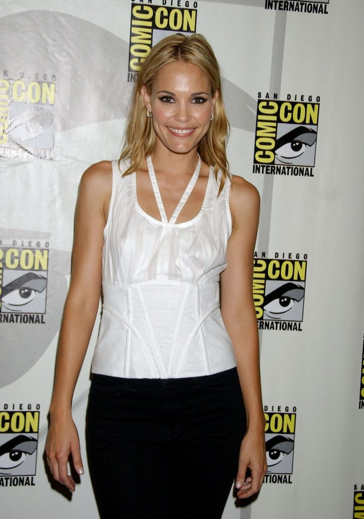 Leslie Bibb Leggings Images