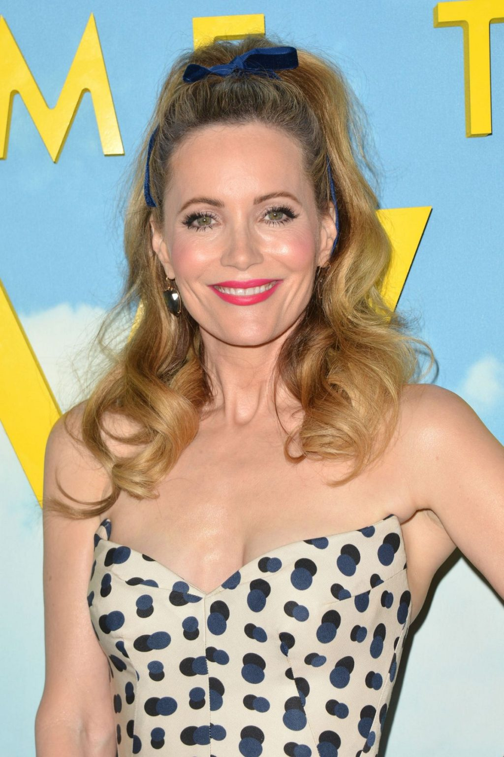 Sexy Leslie Mann Hot Bikini Pictures Are Bring Back The