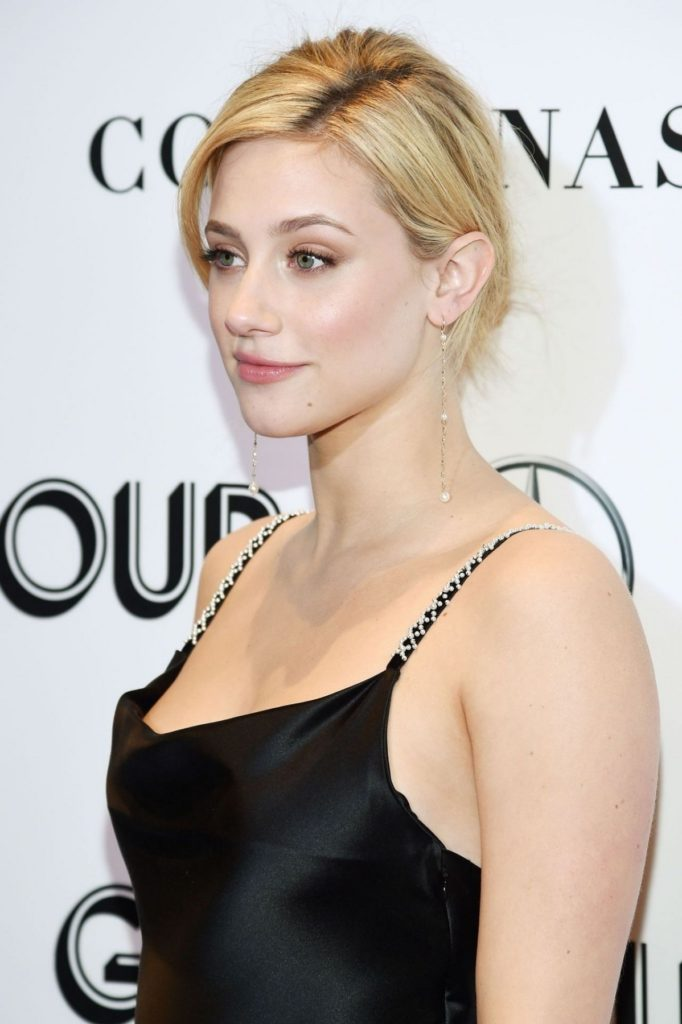 Lili Reinhart Without Bra Images