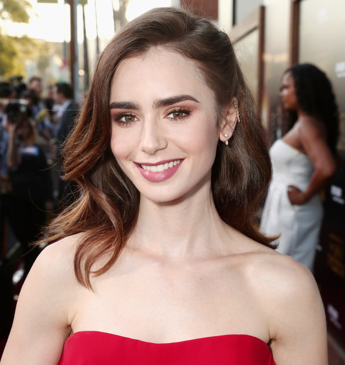 Lily Collins Sexy Smile Images