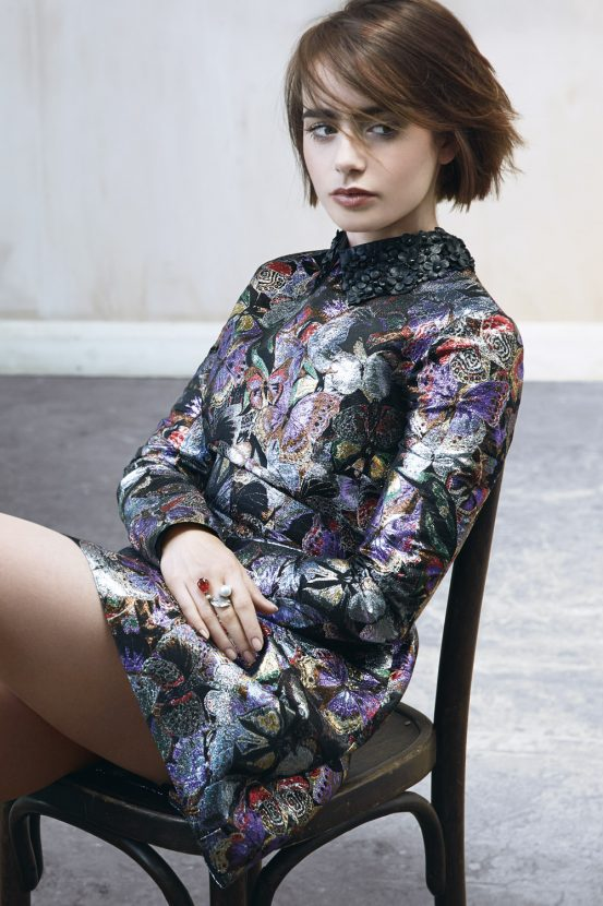 Lily Collins Thighs Photos