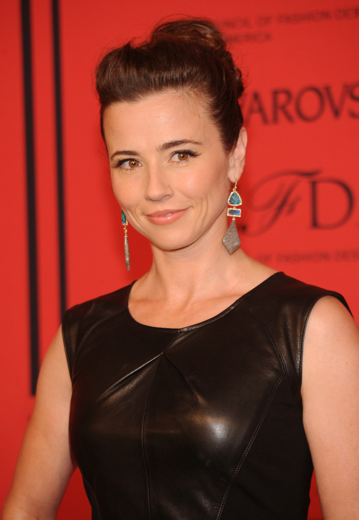 Linda Cardellini Hair Style Pictures