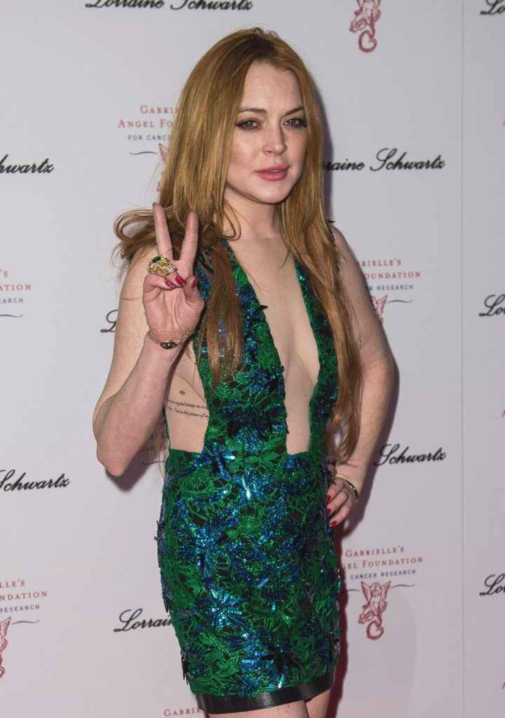 Lindsay Lohan Braless Pictures