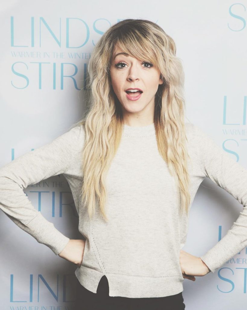 Lindsey Stirling Hot Sexy Pics