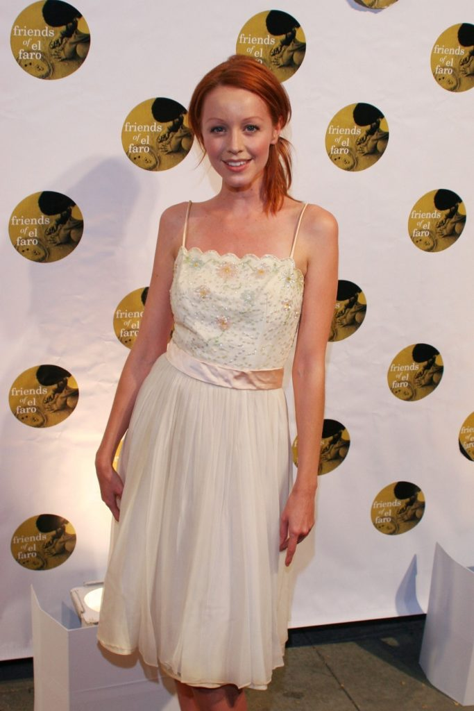 Lindy Booth Photos Gallery