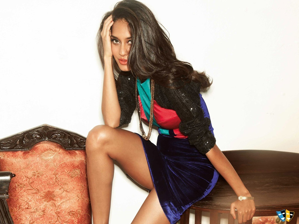 Lisa Haydon Oops Moment Pictures