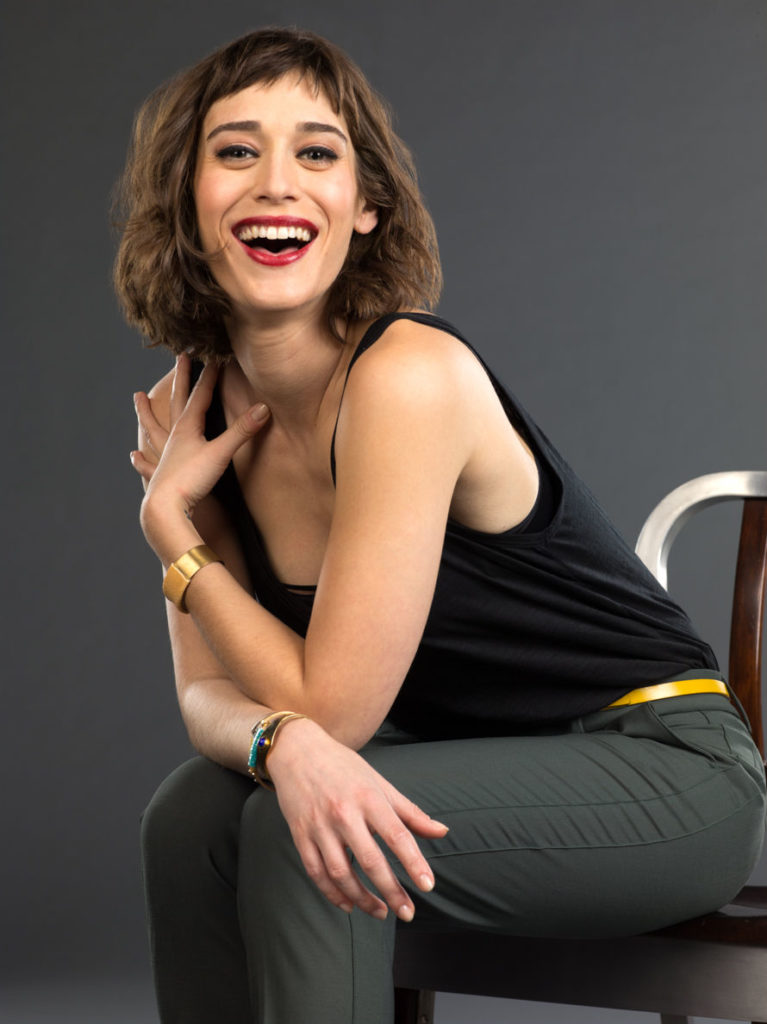 Lizzy Caplan Short Hair Images