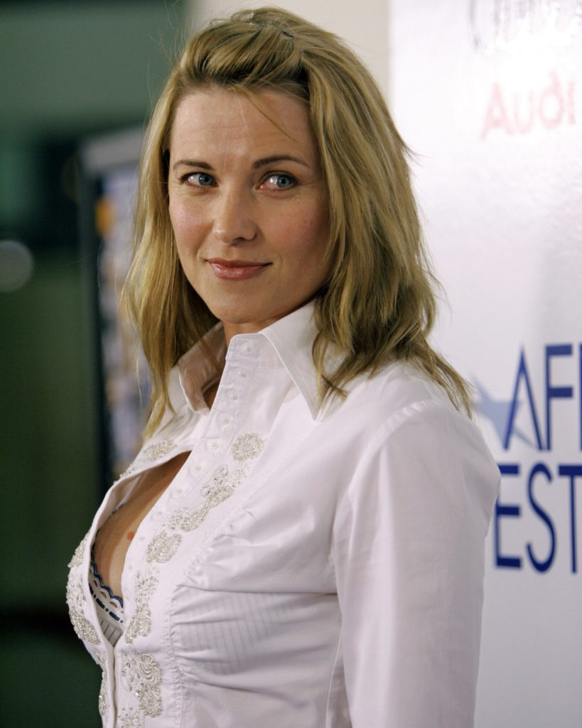 Lucy Lawless Bra Pictures