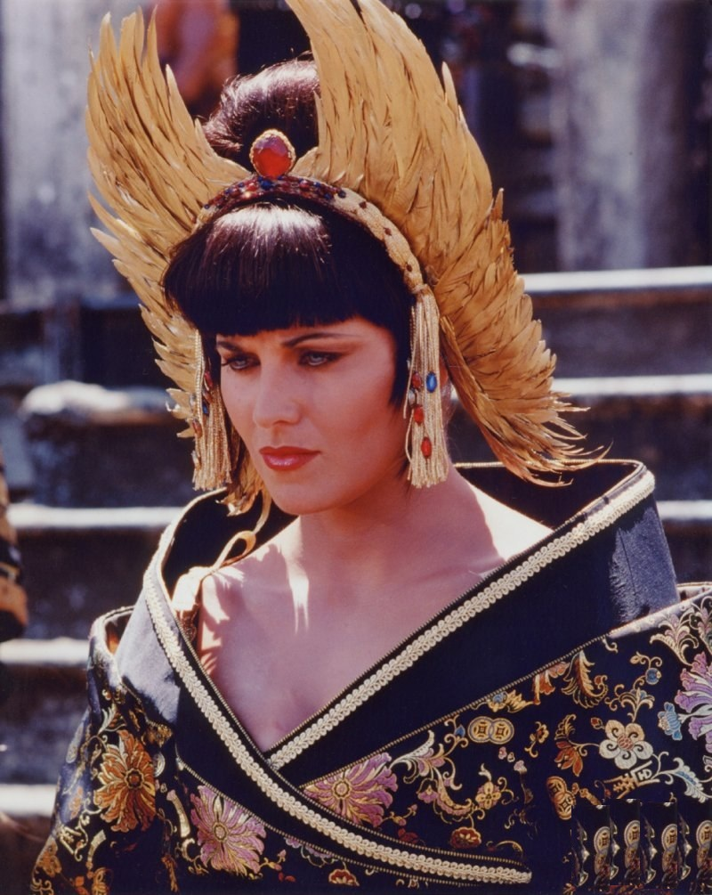 Lucy Lawless Sexy Images
