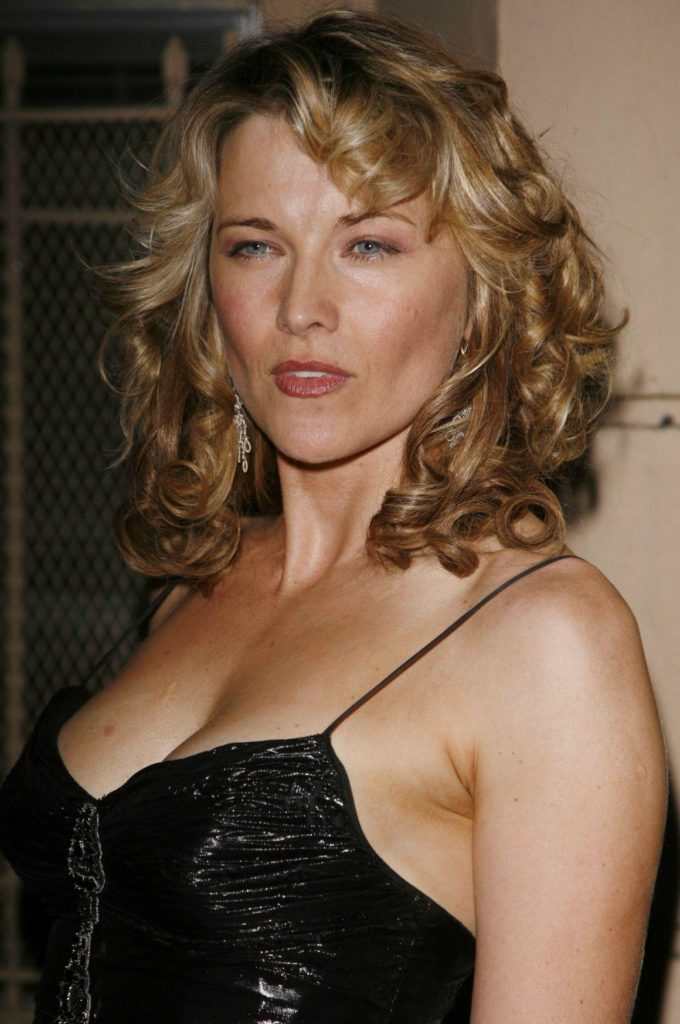 Lucy Lawless Shorts Images