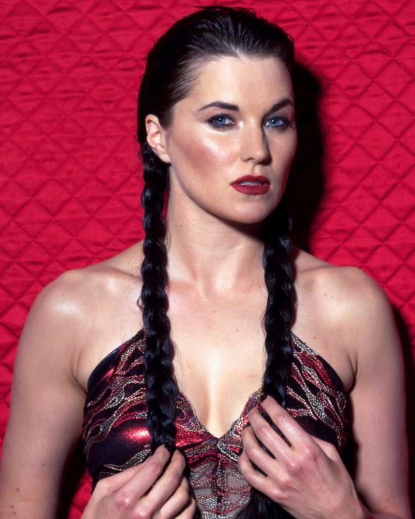 Lucy Lawless Without Bra Images