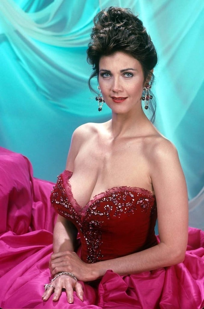 Lynda Carter Without Bra Images