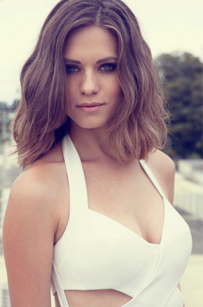Lyndsy Fonseca Bra Pictures