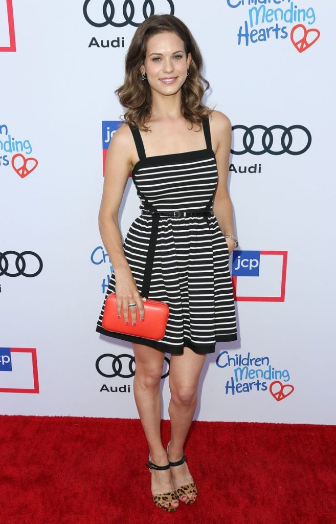 Lyndsy Fonseca Thighs Images