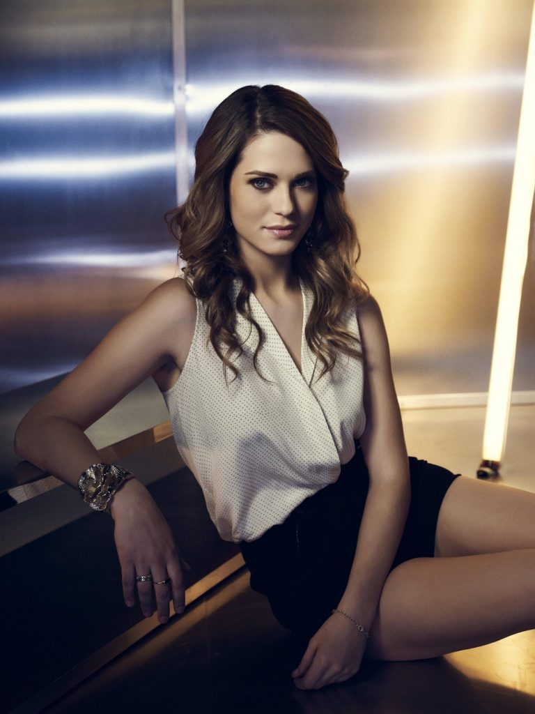 Lyndsy Fonseca Thighs Photos