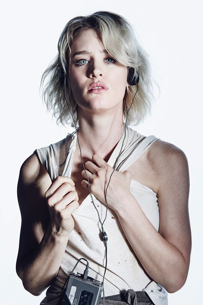 Mackenzie Davis Muscles Pictures