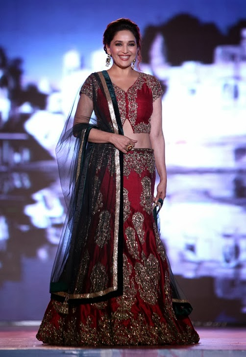 Madhuri Dixit Rampwalk Photos