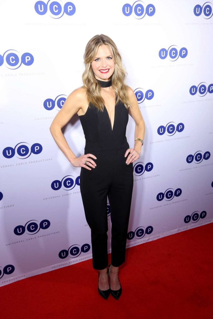 Maggie Lawson Braless Images